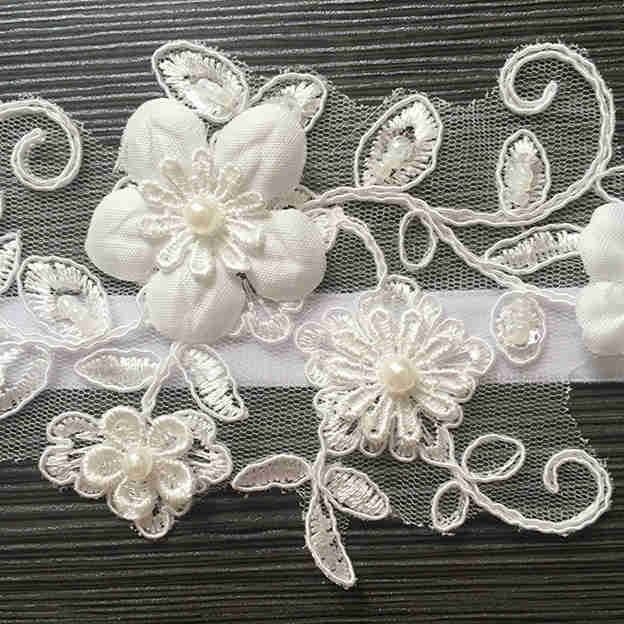 Bridal Attractive Lace Garters With Pearl Flower