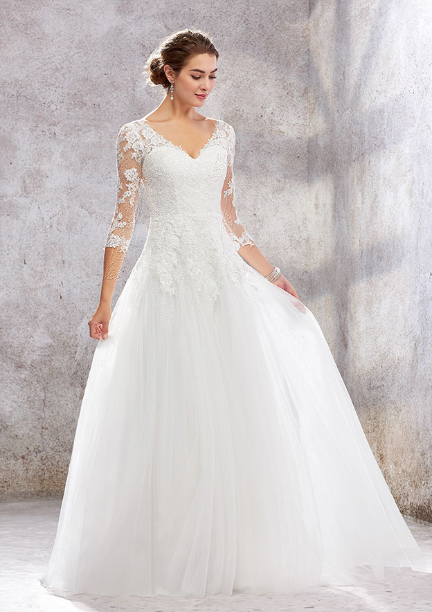 A-line/Princess 3/4 Sleeve Sweep Train Lace/Tulle Wedding Dress